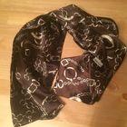 Стильный шарф из качественного атласа, смотрится очень красиво и дорого, длина 175 на 26 см. Б/у недолго