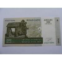 Мадагаскар. 200 ариари 2004 год, UNC