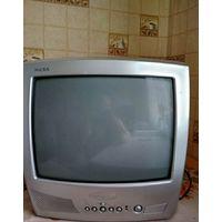 """Телевизор """"Витязь""""цветного изображения в сборе с пультом управления и комнатной антенной"""