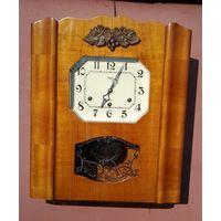 """Настенные часы на три ключа с четвертным боем """"ОЧЗ"""". СССР, середина прошлого века."""
