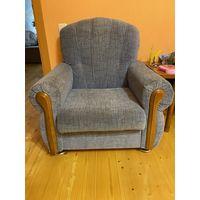 Кресла в хорошем состоянии, 2 шт., голубого цвета.