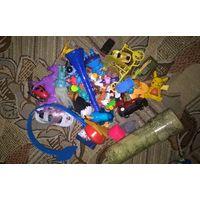 Лот киндеры и другие игрушки