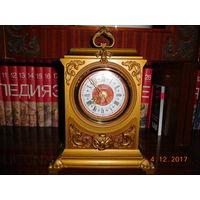 Часы настольные кварцевые Янтарь СССР