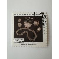 Мадагаскар 1994. Народный ремесла. Украшения