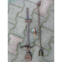 Два безмена, СССР 60-е года и старинный, весы, старина, интеръер