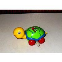 Заводная игрушка Черепаха на колесах