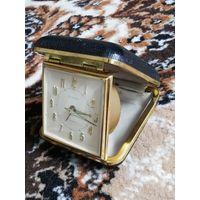 Красивые часы из прошлого века