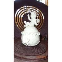 Изящная фарфоровая шкатулка с фигуркой ангела. Лимож. Франция