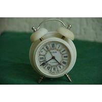 Часы Слава - будильник     ВСЕ РАБОТАЕТ , обслуженные
