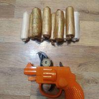 Пистолет и пистоны игрушечные СССР