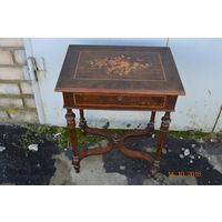 Дамский столик с инкрустацией