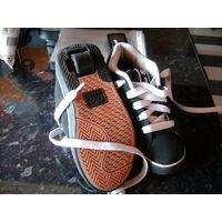 Heelys - кроссовки на колесиках!   размер 33/20