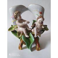 Фарфоровая статуэтка ваза. 19 век . Германия.
