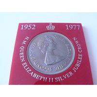 """Гернси, 25 пенсов 1977 год, """"25 лет правления Королевы Елизаветы II"""" - 38 мм."""