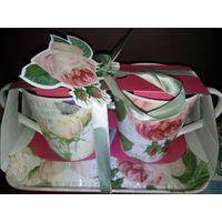 """Набор фарфоровых чашек с подносом """"Розы"""". Англия"""
