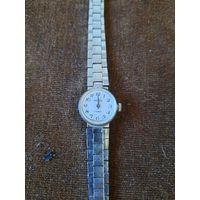 Часы наручные женские Чайка лот40