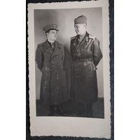 Фото военных летчиков. 1946 г. 8х13 см.