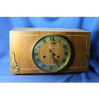 Настольные часы Янтарь с боем, размеры 19-35 см. (бой работает, хода нет). С РУБЛЯ. АУКЦИОН!!!
