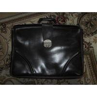 Красивый кожанный портфель саквояж-кейс 45х32 см. коричневый разумный торг