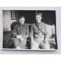 Двое военных
