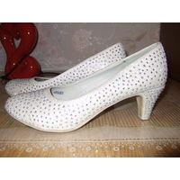 Туфли девичьи праздничные