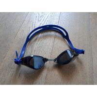 Фирменные очки для плавания Adidas