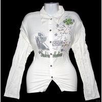 """Блузка (рубашка) трикотажная фирмы """"Orsee"""", новая, р-р 48-54 (XXL), хорошо тянется, но не деформируется, цвет белый, украшена пайетками, стразами, блестящими камешками и фирменными пуговицами, состав"""