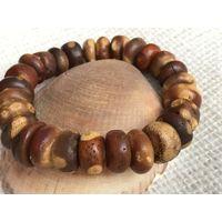 Янтарь-Браслет- античный- балтийский натуральный янтарь - 32 гр-на - резинке-универсальный размер
