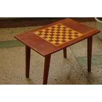 Стол шахматный  складной  ( 46 см х 72 см . высота 49 см )