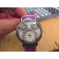Часы Chang mel кварцевые.