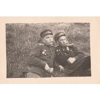Два лётчика-гвардейца. орден Красной Звезды. Германия, 1945 год