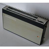 """Радиоприёмник """"Кварц-401"""" (СССР, 1971)"""
