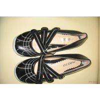 Новые лакированные туфли (балетки) 36-37 (Болгария)