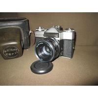 Фотоаппарат Зенит-Е с объективом Гелиос 44М