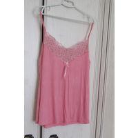 Розовая маечка в подарок к купленной одежде . Р-р 54,новая,вискоза
