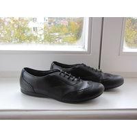 Кожаные туфли Clarks. Размер 35