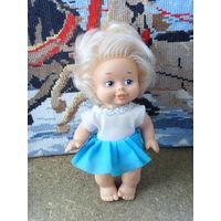 Кукла ГДР . Кривоножка