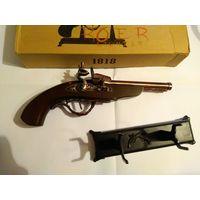 Настольная зажигалка-пистолет