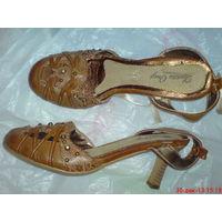 БОСОНОЖКИ туфли 40  р. (Даром  к др. лоту)