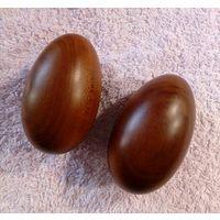 Из красного дерева яйца - массажёры для кистей рук. Раритет. 6х4 см.
