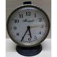 Часы-будильник ВЫМПЕЛ