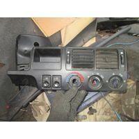 Лот 264. Центральная часть торпеды с дефлекторами Ford Escort 1990-1995 г.в. Старт с 1 рубля!