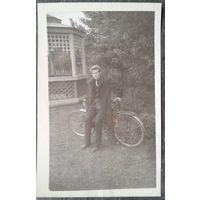 Фото юноши с велосипедом 1960-е. 9х14 см