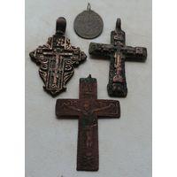 Старинный набор нательных крестиков, разного периода, одним лотом