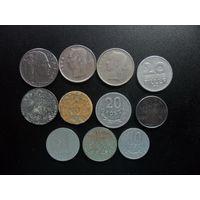 11 монет разных стран одним лотом