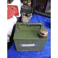 Вакуумное нефтяное масло ВМ-4(1 кг) для насосов в металлической канистре.