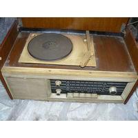 Радиоприемник радиола Рекорд 68 2 ретро СССР