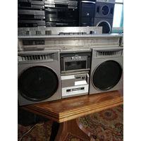 Hitachi TRK-780W stereo cassette recorder