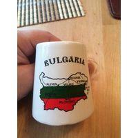 Маленькая кружечка из Болгарии пополнит Вашу коллекция. Высота 7 см. Обмен не интересует