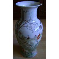 Cтаринная китайская ваза.1-ая четв. 20 века. Рельеф. Роспись.
